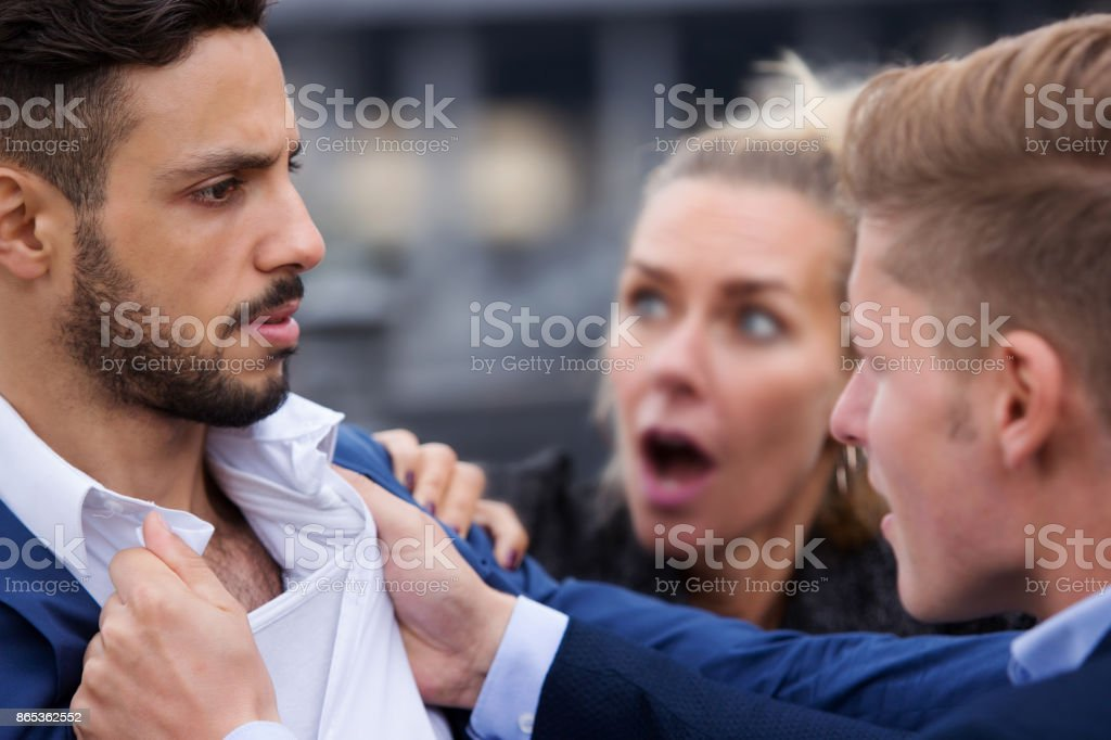 en kvinna försöker