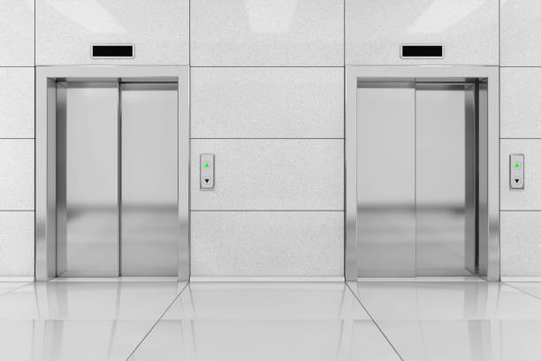 Zwei moderne Aufzug oder Lift mit Metalltüren im Bürogebäude. 3D rendering – Foto