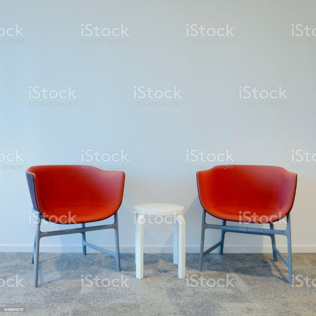 Zwei Moderne Rote Stuhle Stockfoto Und Mehr Bilder Von Arbeiten Von Zuhause Istock
