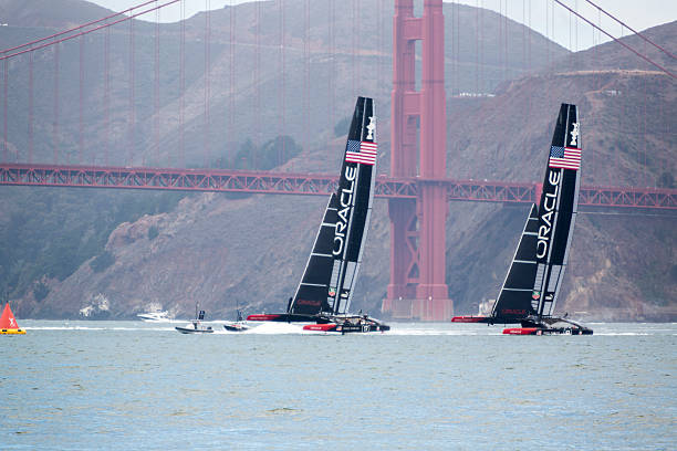Zwei von Oracle Team USA-America's Cup Katamaran-training – Foto
