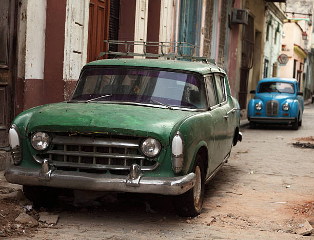 Zwei alte vintage-cuban Auto – Foto