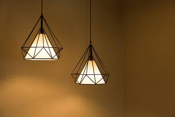 two pendant lamp. - lampe électrique photos et images de collection
