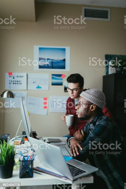 Two people collaborating around a computer picture id652404278?b=1&k=6&m=652404278&s=612x612&h=6mjampaebdfuvt8mgiegrirg1wuy9ike py91xmifbw=