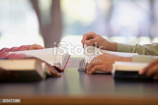 istock Two people reading 520421080