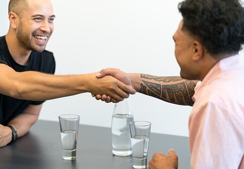 dating a polynesian man