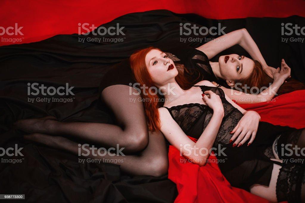 Lesbiennes en noir