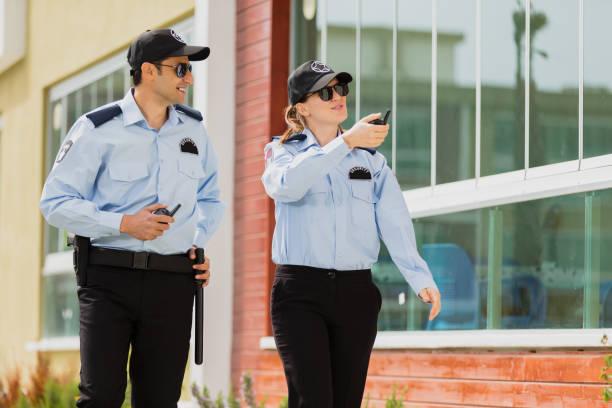Zwei Sicherheitsbeamte – Foto