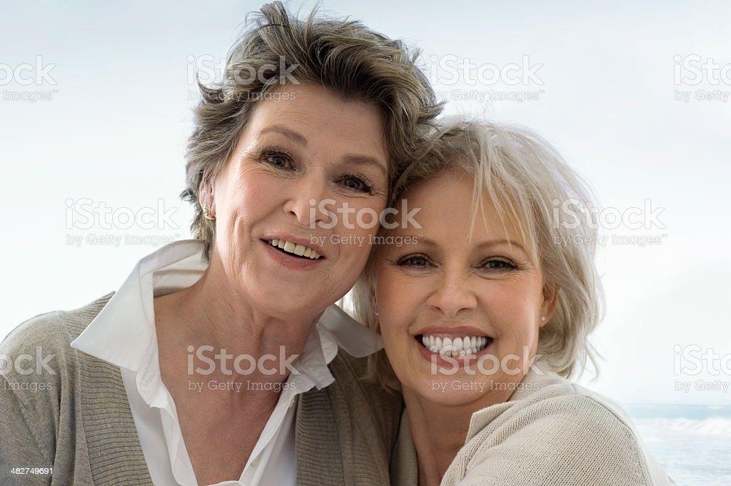 Zwei Seniorwoman - Lizenzfrei 60-69 Jahre Stock-Foto