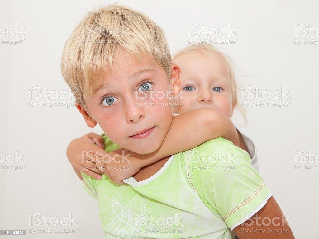 Ältere Schwester Älterer Bruder
