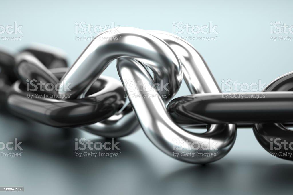 Dos enlaces de plata con cadena negra. Concepto de asociación - foto de stock
