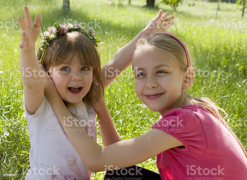 Two sisters royaltyfri bildbanksbilder