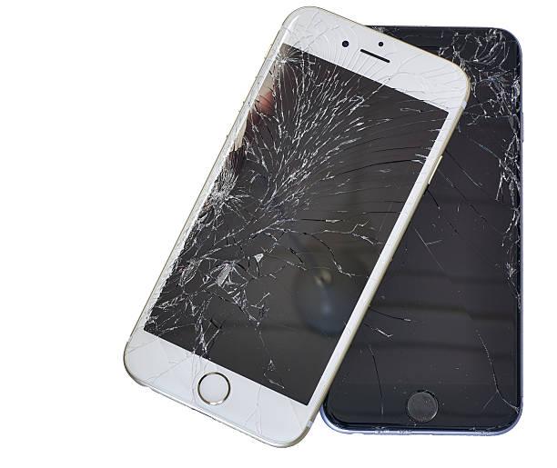 Zwei Smartphones mit beschädigt angezeigt – Foto