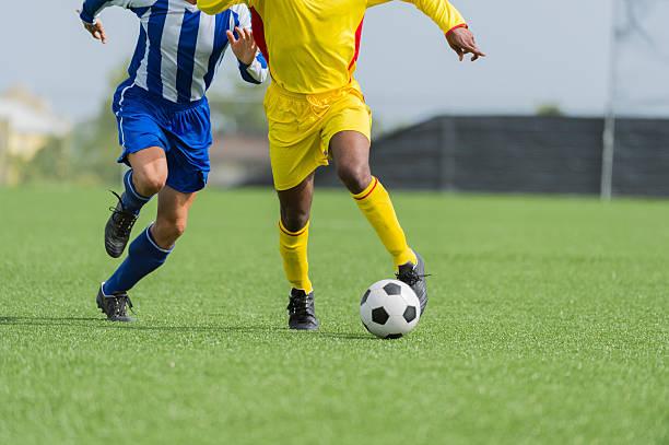 Zwei Fußballspieler In Aktion – Foto
