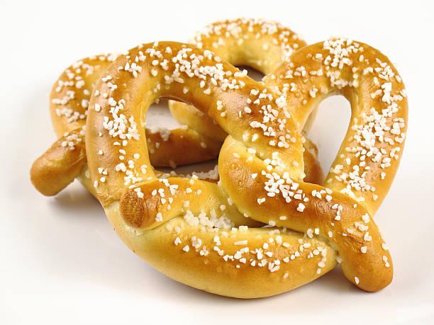 two soft pretzels - 椒鹽蝴蝶圈 個照片及圖片檔
