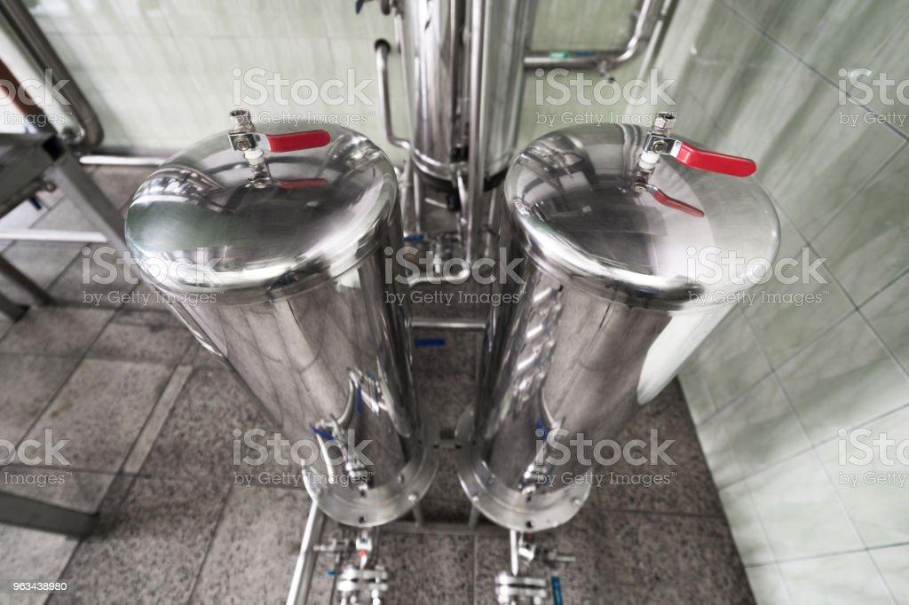 Réservoir deux acier chromé, vue de dessus - Photo de Acier libre de droits