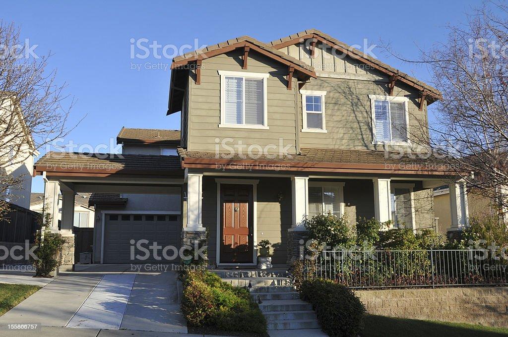 Zwei Geschichte Einfamilienhaus house mit Auffahrt – Foto