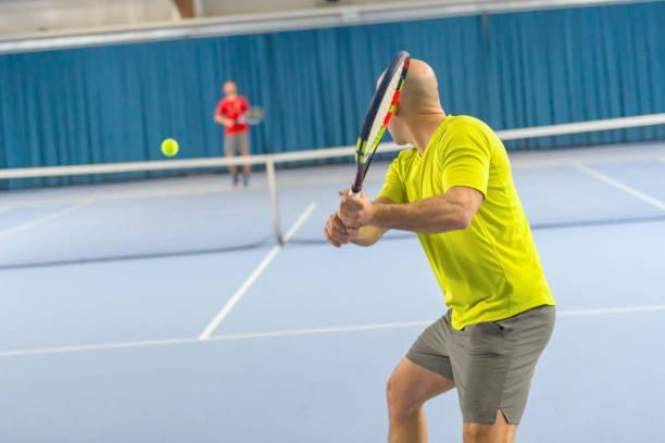 Zwei Tennisspieler in einem match – Foto