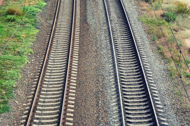 twee spoor spoor - parallel stockfoto's en -beelden