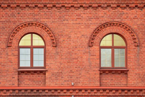 deux fenêtres. - demi cercle photos et images de collection