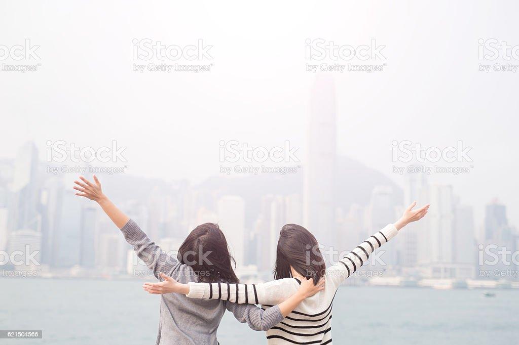 two woman feel free photo libre de droits
