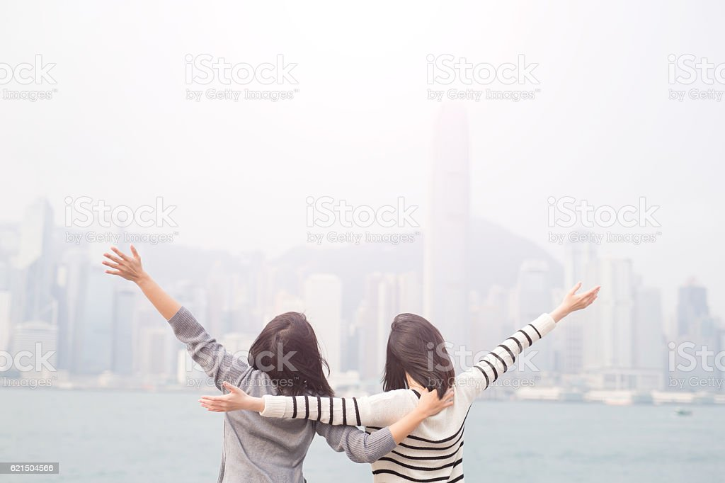 two woman feel free - Photo