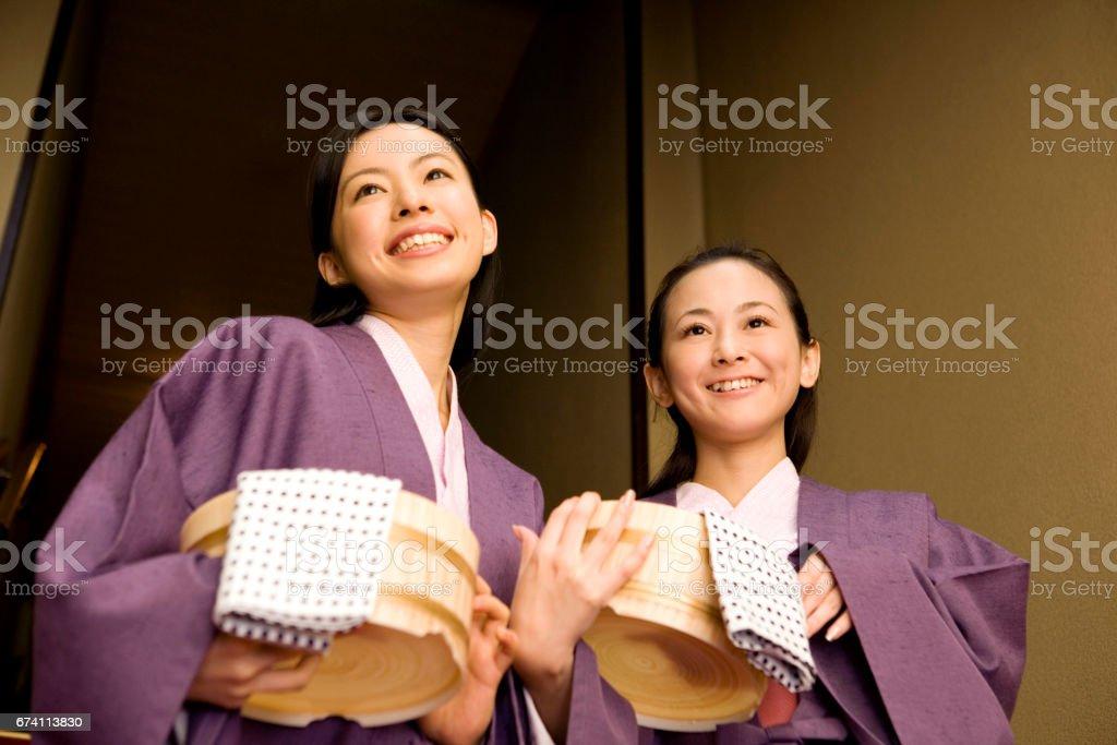 兩個女人走出浴 免版稅 stock photo