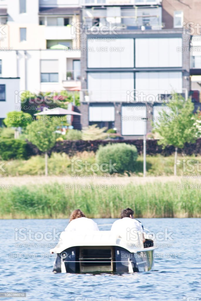 Boat lovers dating