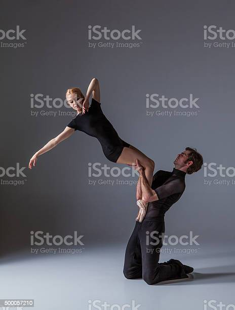 Two young modern ballet dancers on gray studio background picture id500057210?b=1&k=6&m=500057210&s=612x612&h=0ke3xgiew wxbzzqfnhtsptfqkitd99bhx15a3dxc0w=