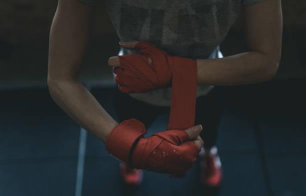 Sportschuhe anziehen – Foto
