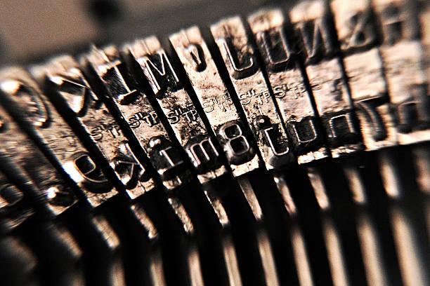 Detalhe de máquina de escrever - foto de acervo