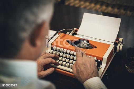 istock Typewriter 916552092