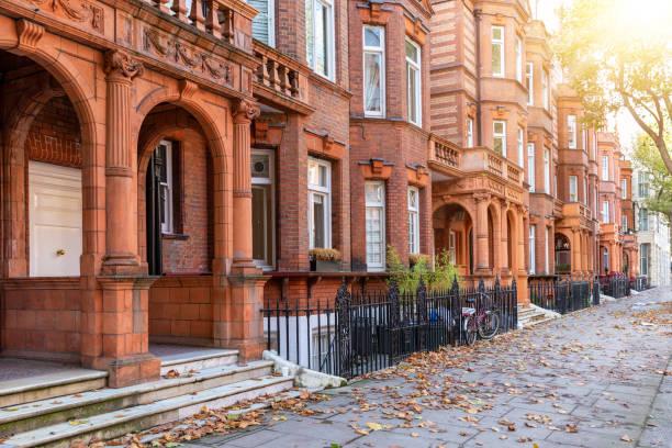 典型的な秋の時のロンドン家の英国ジョージアン - ヨーロッパ文化 ストックフォトと画像