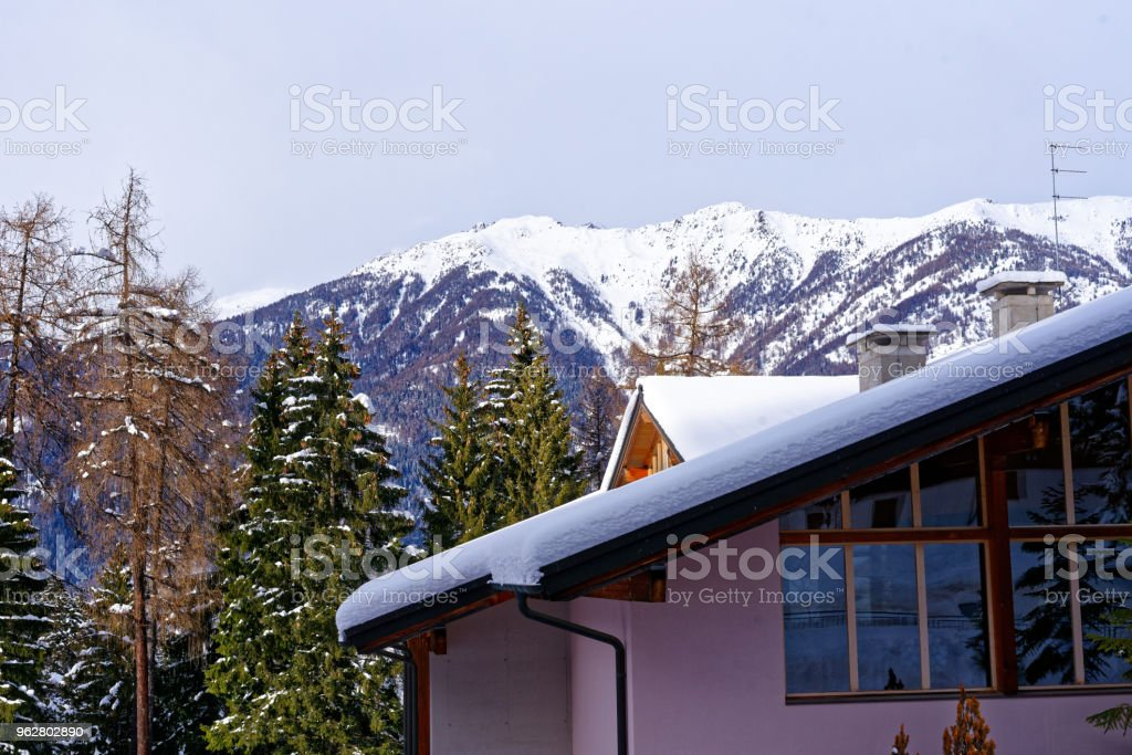Typical buildings in a Dolomite Mountains resort town - Foto stock royalty-free di Alpi