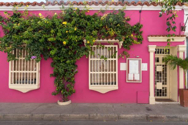 Typische bunte Fassade in Cartagena. Kolumbien – Foto
