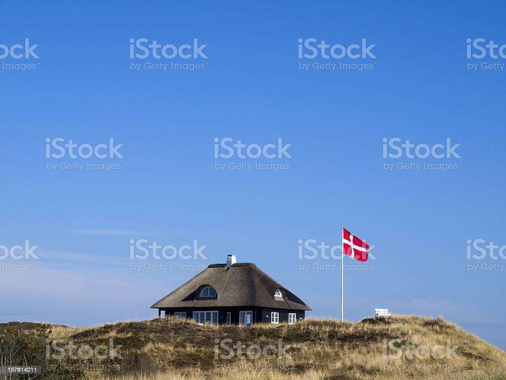 Cabaña típica danesa - foto de stock