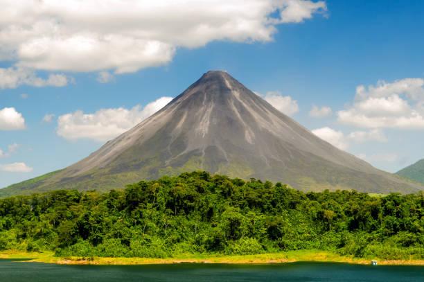 Typische schlafender Vulkan – Foto
