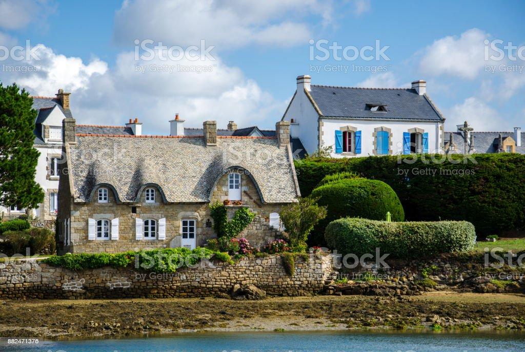 Típico pueblo francés de Saint de Cado de Bretaña - foto de stock