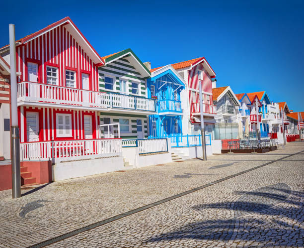 typical houses with colorful stripes in aveiro - aveiro imagens e fotografias de stock