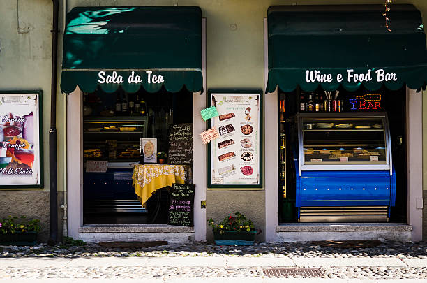typical italian wine and food bar foto