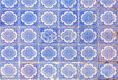 istock Typical old painted tin-glazed ceramic tilework (Azulejo) 904340830