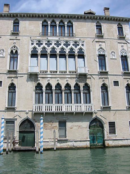 typical palace in venice - fsachs78 stockfoto's en -beelden