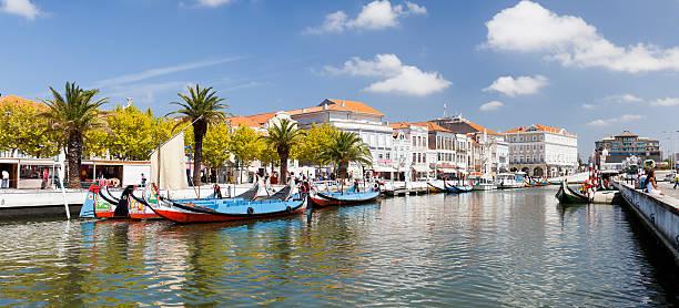 típica sal barcos de aveiro (portugal - aveiro imagens e fotografias de stock