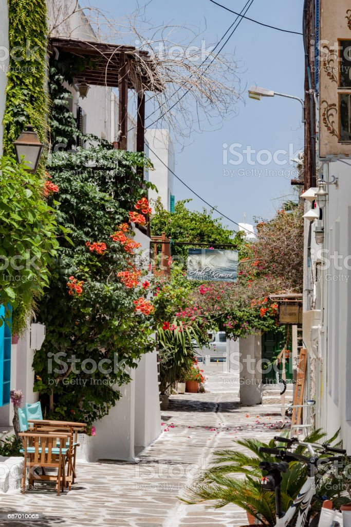 Typische Straße Paros in Griechenland Lizenzfreies stock-foto