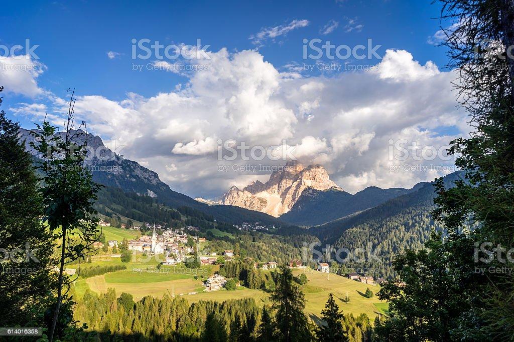 Typical summer scene in Italian Dolomites. - foto stock