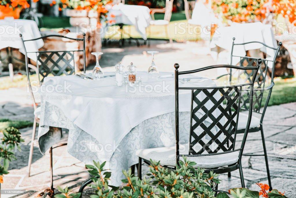 Photo Libre De Droit De Table De Restaurant Typique De