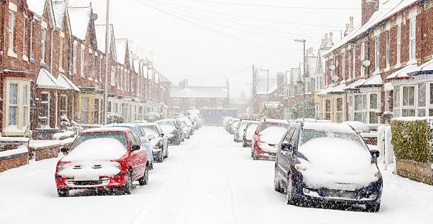 typical uk street in winter snow - cold street bildbanksfoton och bilder