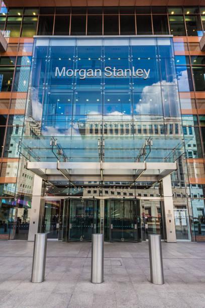 eine typische ansicht in kanarienstelle in london - morgan stanley stock-fotos und bilder