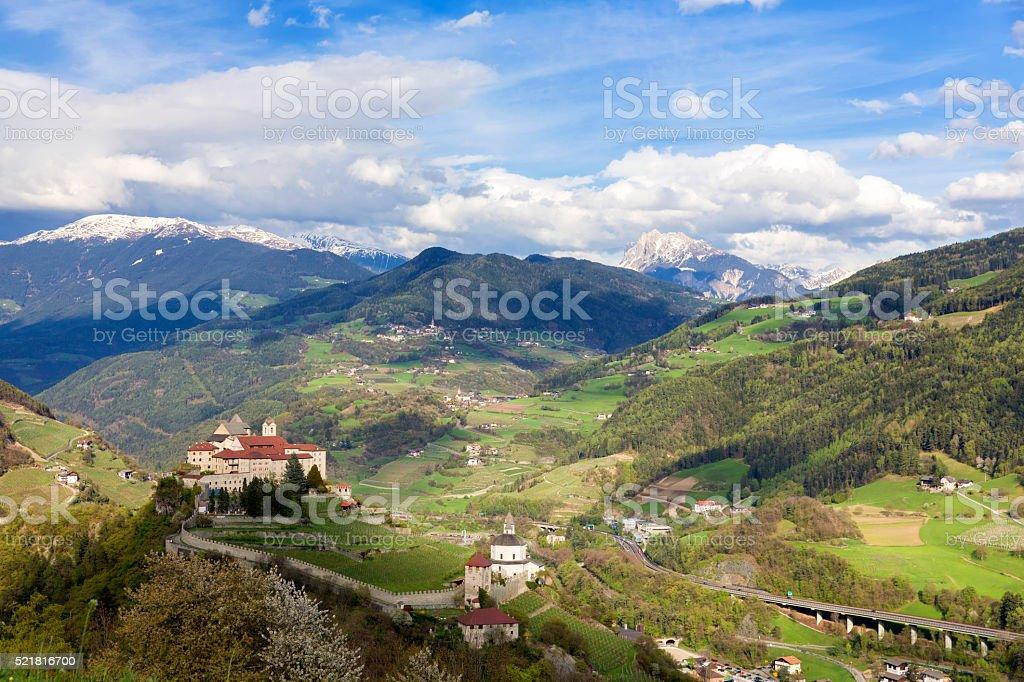 Tirol mit Brenner Autobahn und Monastero di Säben – Foto