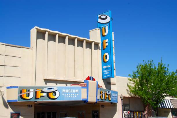 museo ufo - numero 51 fotografías e imágenes de stock