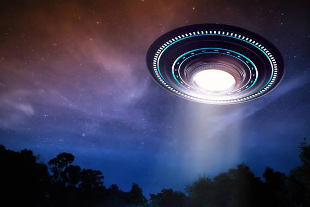 ufo of alien ruimteschip - ufo stockfoto's en -beelden